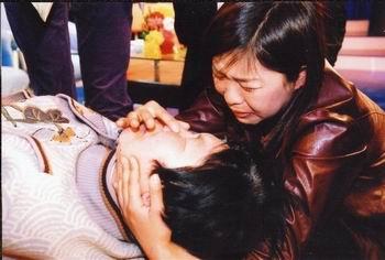 将丽丹送到了北京跟伯伯学画画